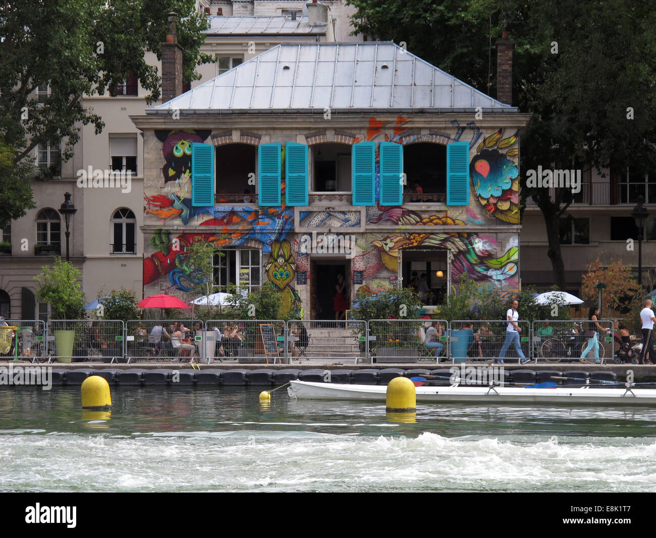 restaurant bassin de la villette canal saint martin paris france stock photo 74177271 alamy. Black Bedroom Furniture Sets. Home Design Ideas