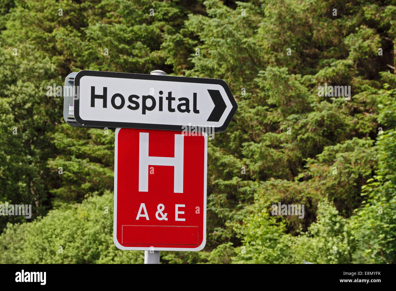 Signs showing direction to hospital with accident emergency signs showing direction to hospital with accident emergency department sciox Image collections