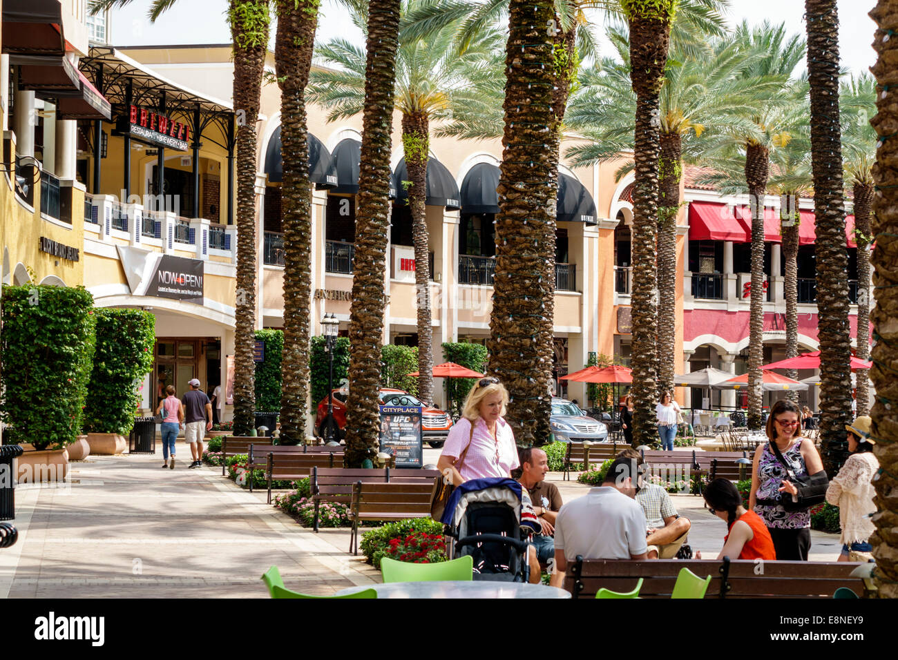 West Palm Beach Shopping Downtown West Palm Beach is defined by its mix of national brands and local retailers, international dining and nightlife, and cultural venues flavored with years of history.