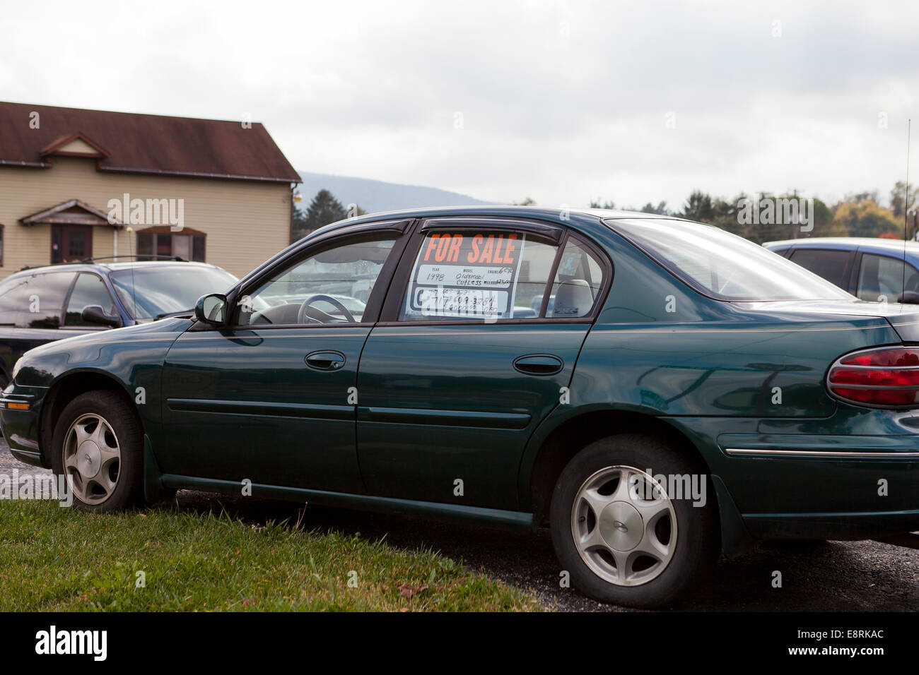 For sale sign in car window Pennsylvania USA Photo – Free for Sale Signs for Cars
