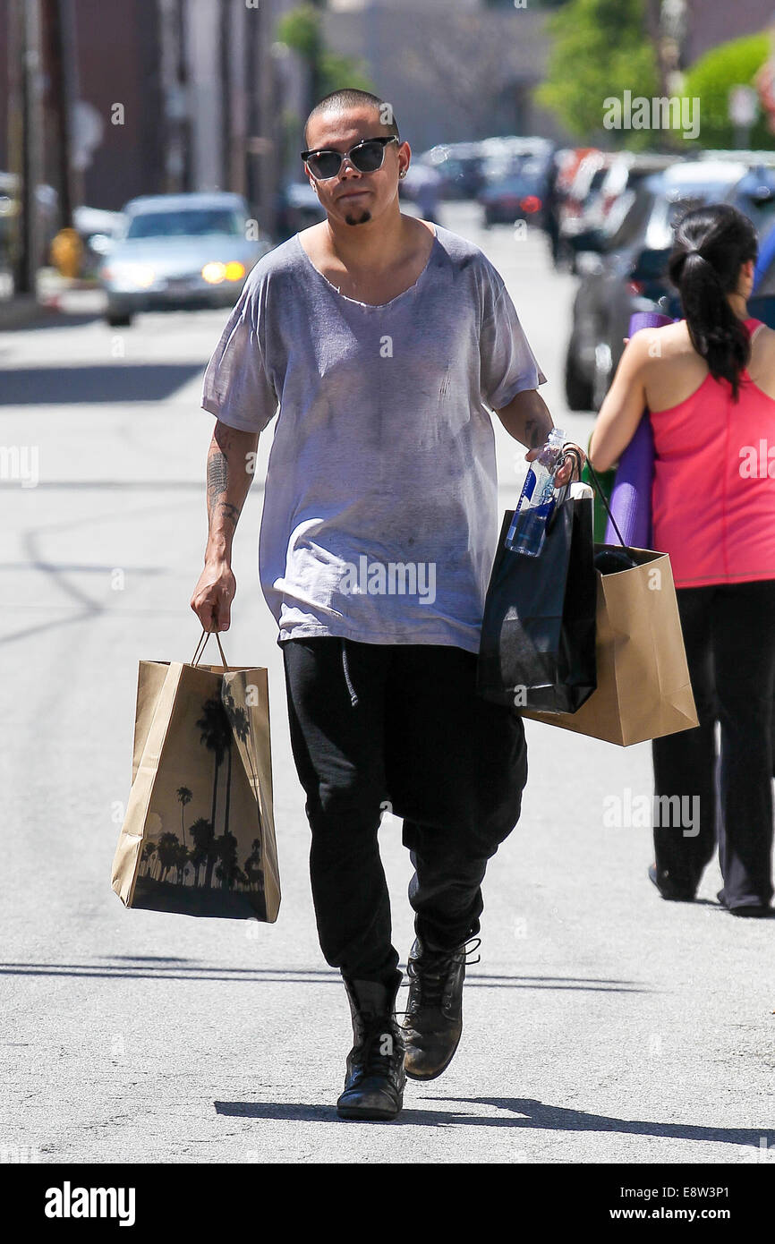 ordinary California Pizza Kitchen Studio City #4: Evan Ross shopping on Ventura Boulevard in Studio City with a large bag from California Pizza Kitchen Featuring: Evan Ross Where: Los Angeles, California, ...