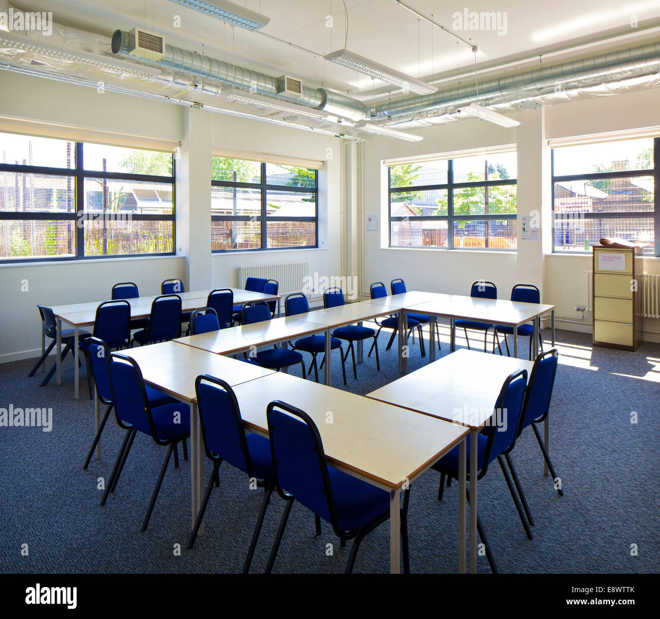 Classroom interior of leyton sixth form college - Interior design colleges in london ...