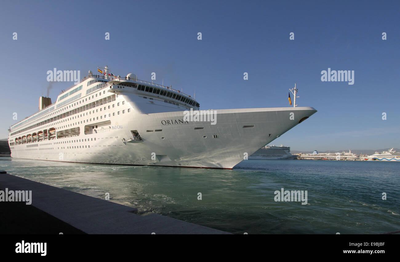 PO P And O Cruises Cruise Ship ORIANA Mts Leaving Berth - Thomson dream cruise ship latest news