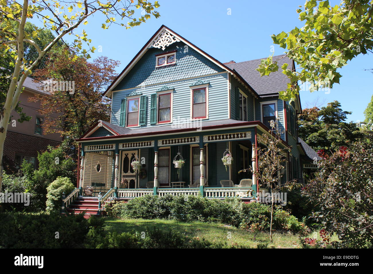 Eastlake Or Stick Style Victorian House Tottenville