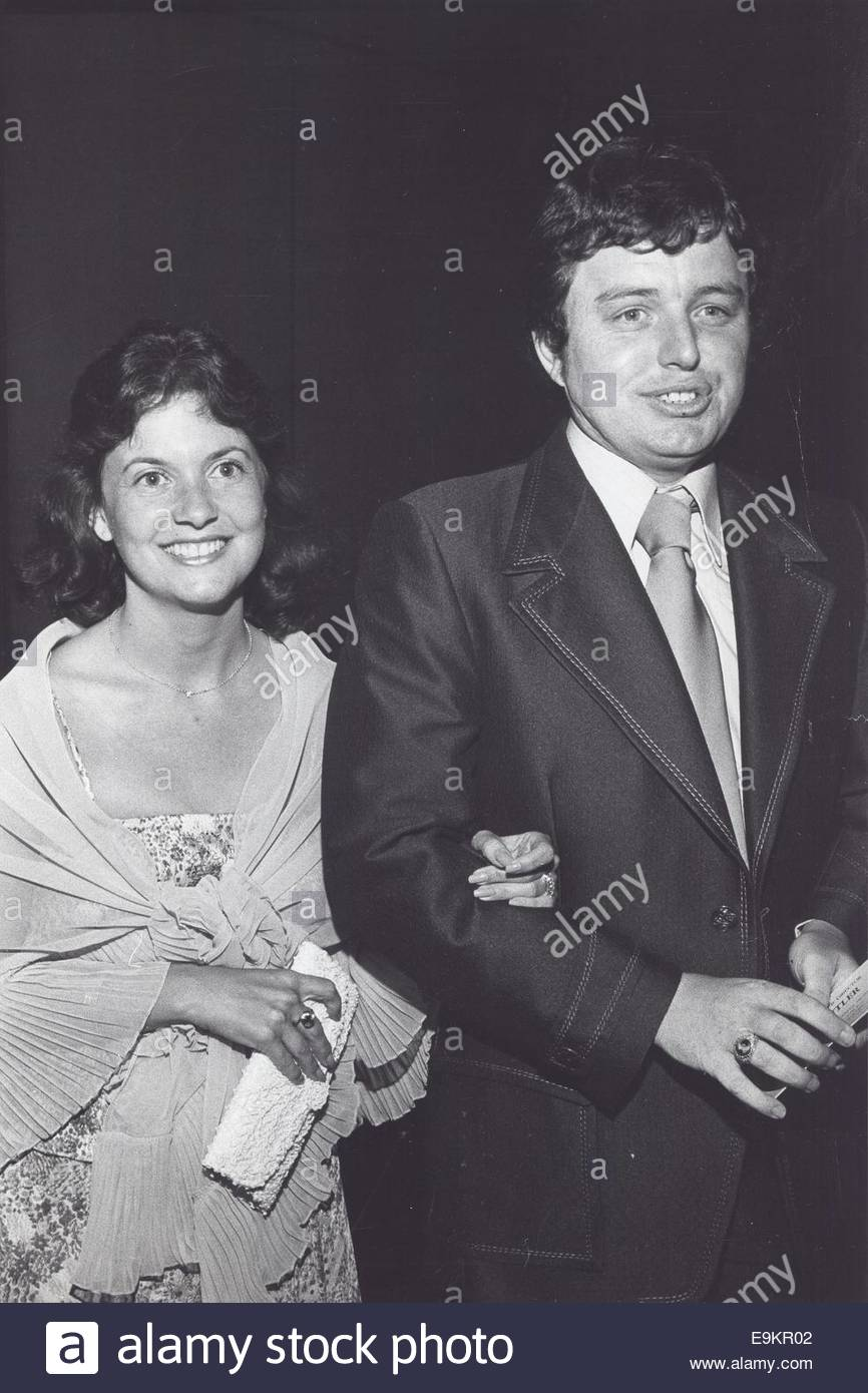 Jerry Mathers With Wife Diane 169 Ralph Dominguez Globe