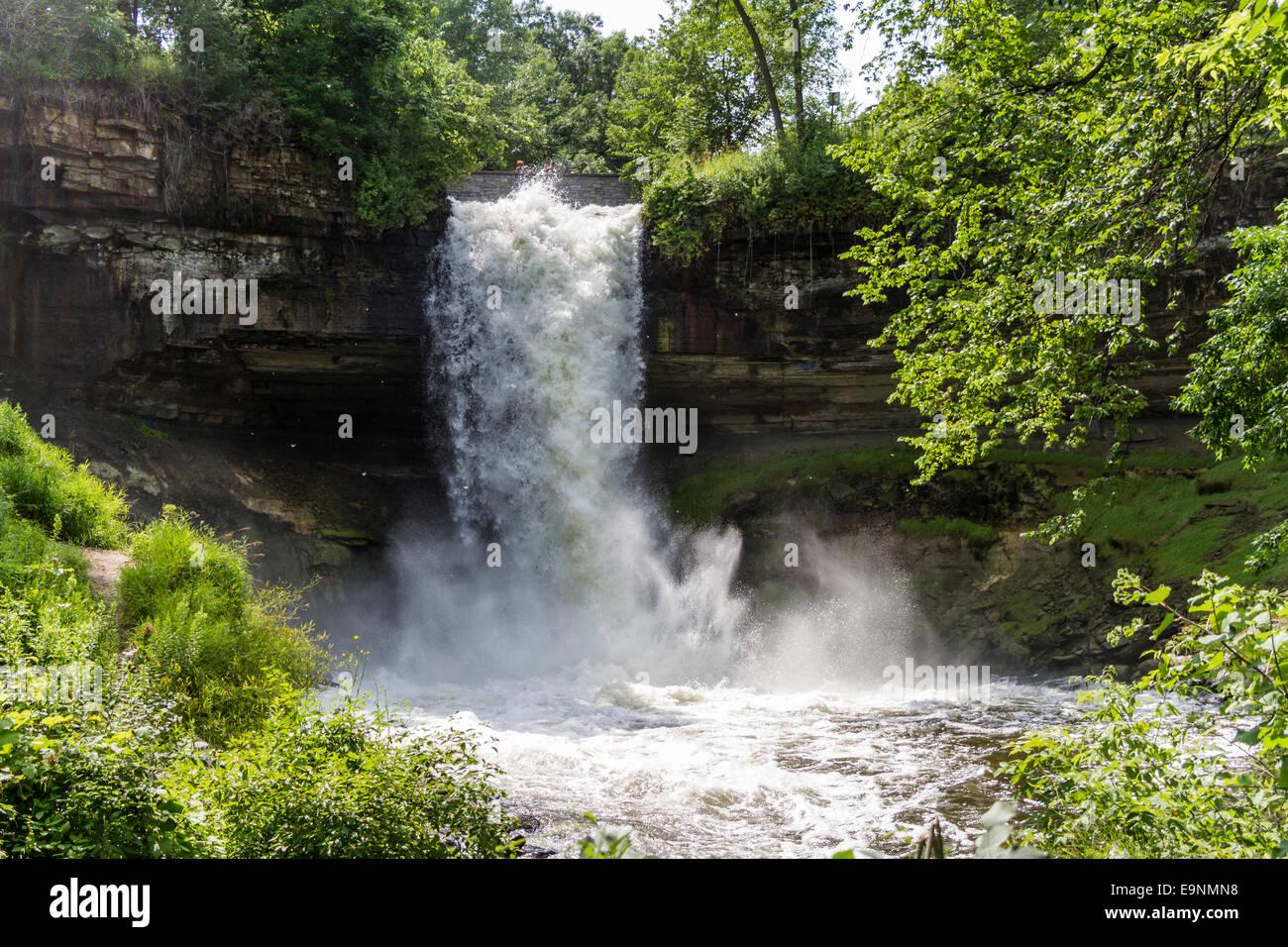 Minnehaha Park minnehaha waterfall, minnehaha park, minneapolis, minnesota, usa