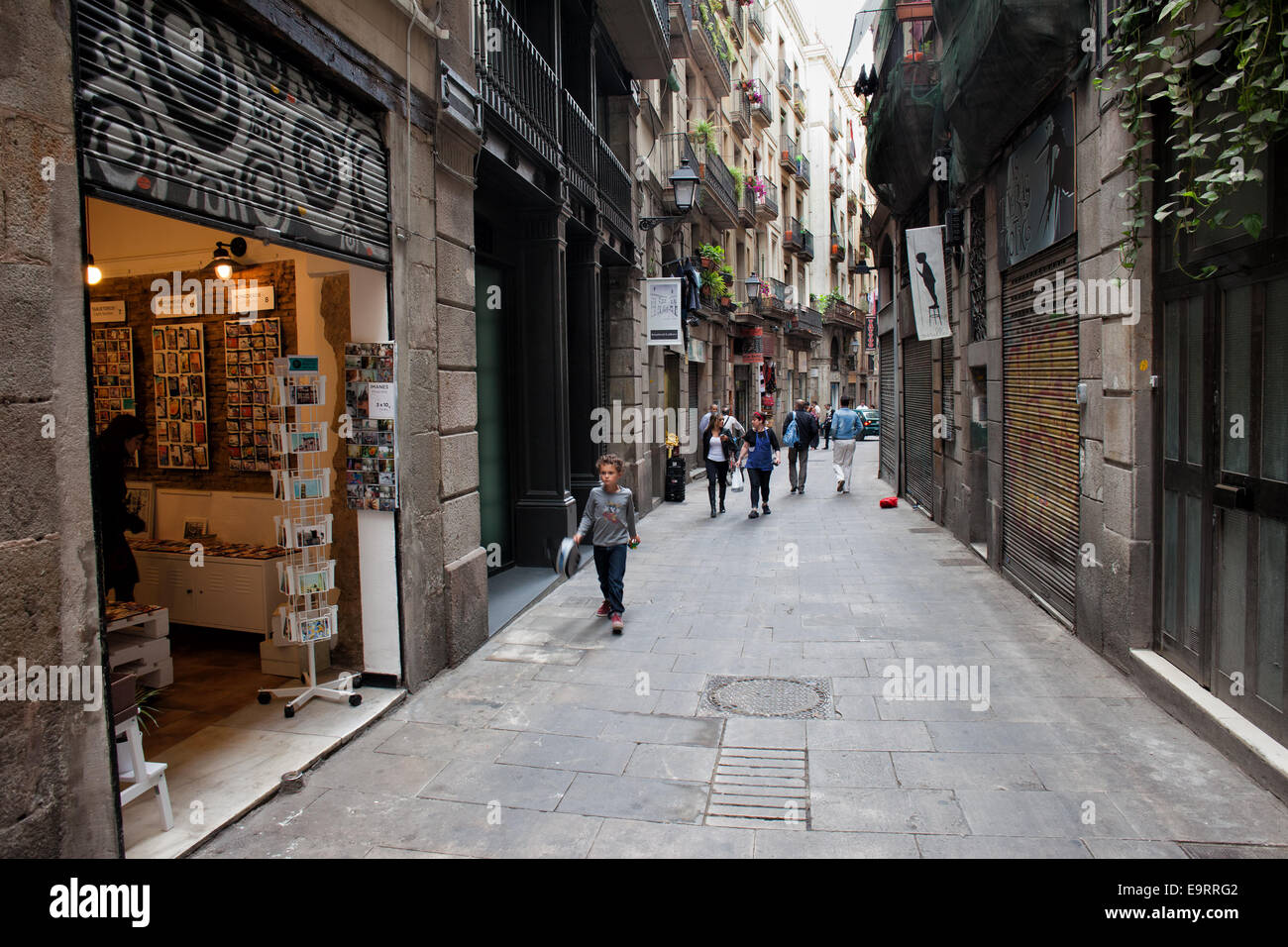 open souvenir shop on narrow street in gothic quarter of barcelona in stock photo 74896754 alamy. Black Bedroom Furniture Sets. Home Design Ideas