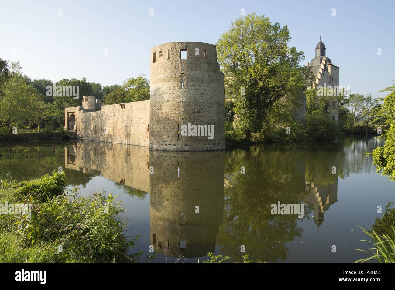 Castle veynau euskirchen wisskirchen germany stock photo royalty free image 75067946 alamy - Euskirchen mobel ...