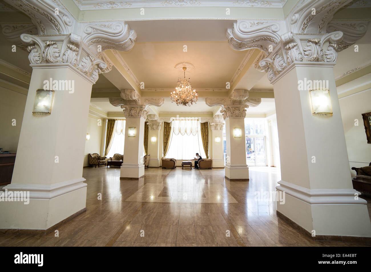 Luxury lobby in hotel reception hall interior design for Wedding hall design