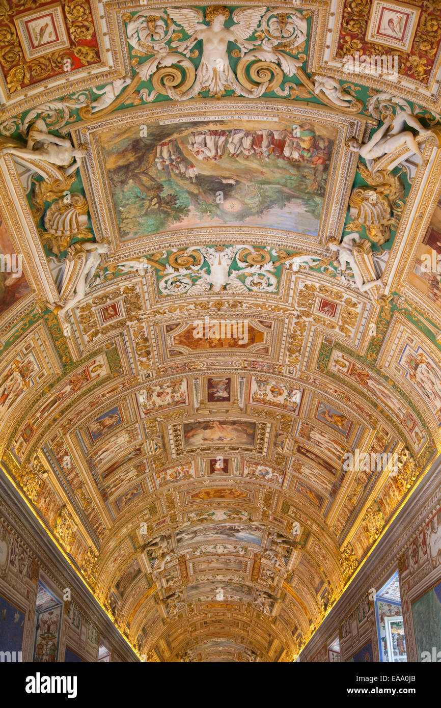 Ceiling of gallery of maps inside vatican museum unesco world ceiling of gallery of maps inside vatican museum unesco world heritage site vatican city rome italy gumiabroncs Gallery