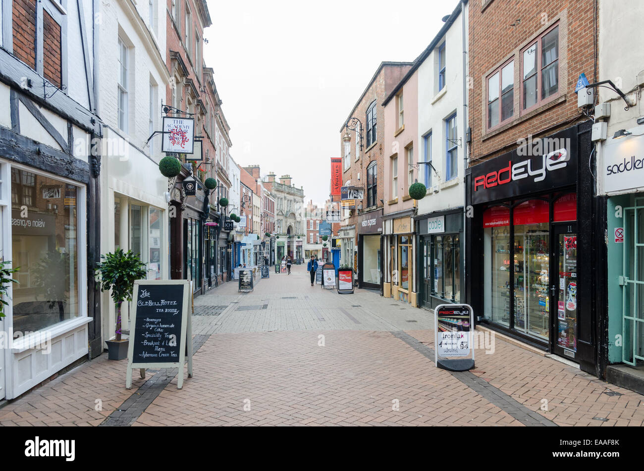 What is roeprocjfc.ga roeprocjfc.ga enables retailers to find the ideal shop to let or for sale. Whether you are an expanding retailer or an entrepreneurial start-up, you can search for shops on the high street, in retail parks and shopping centres across the UK.