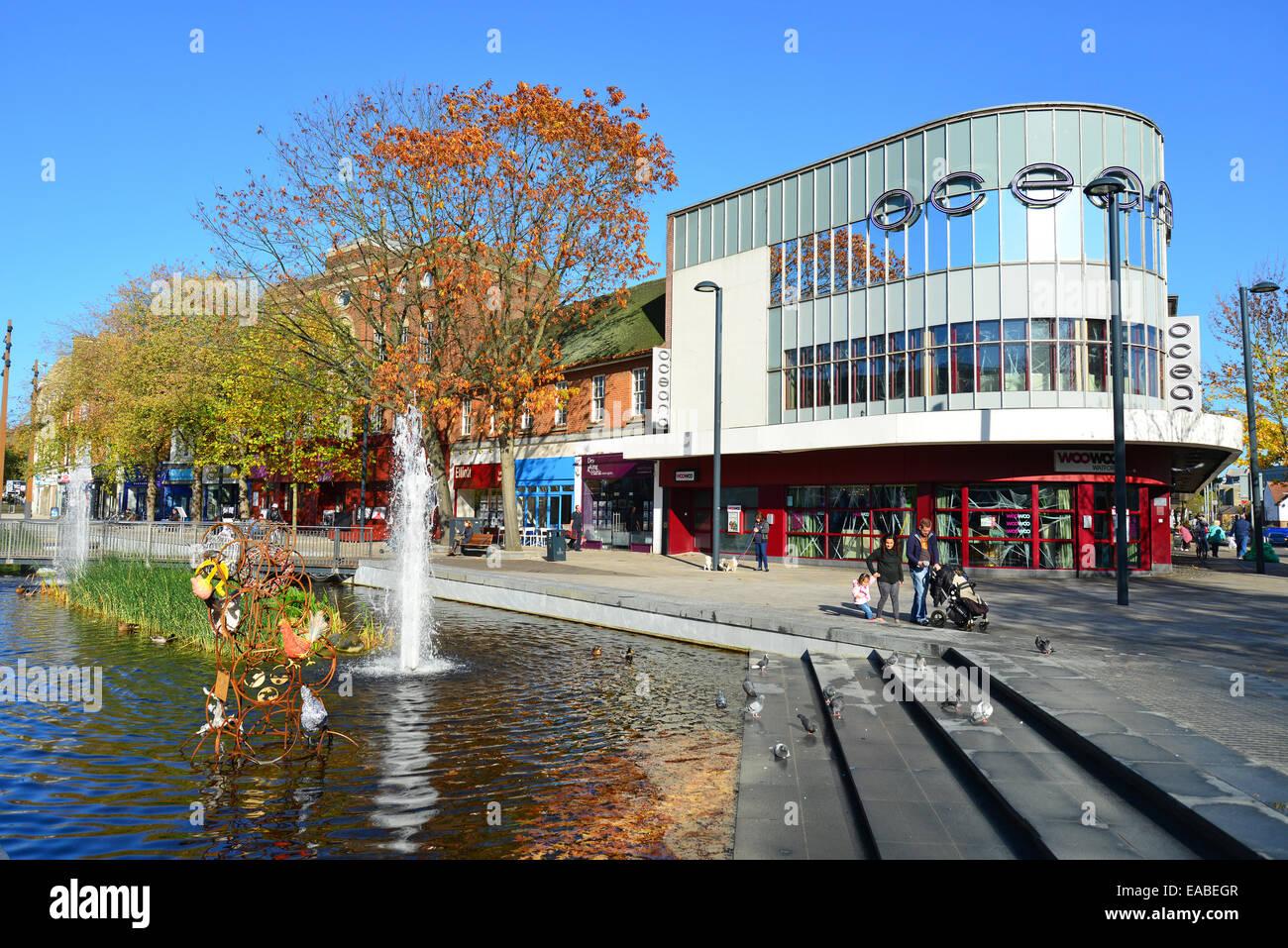 Hertford United Kingdom  City pictures : ... on The High Street, Watford, Hertfordshire, England, United Kingdom