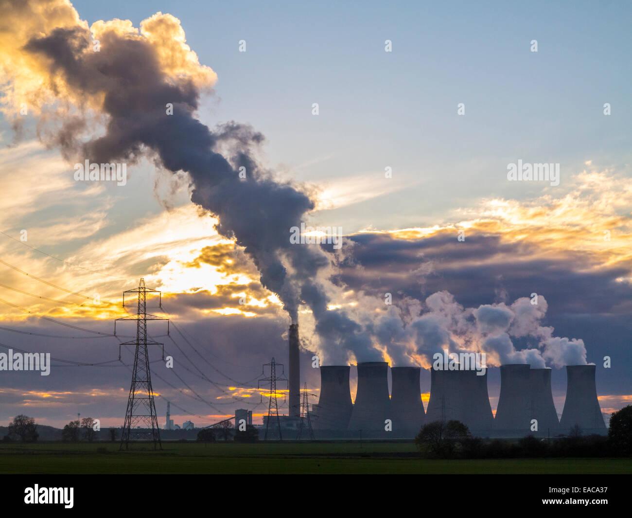 drax-power-station-emits-large-amounts-o