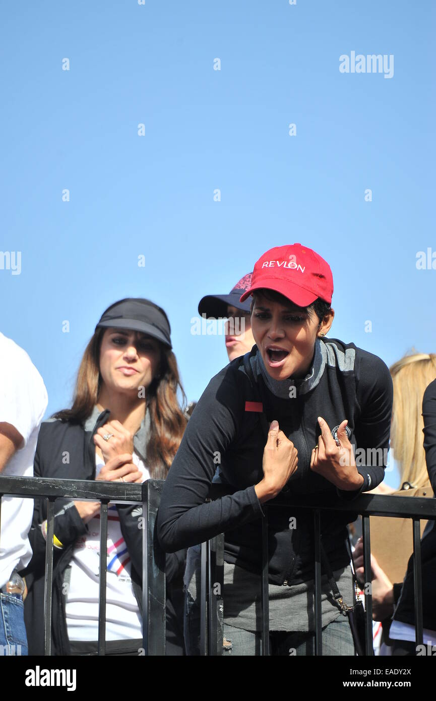 Halle Berry and Bruce Willis host Revlon Run Walk in downtown los ...