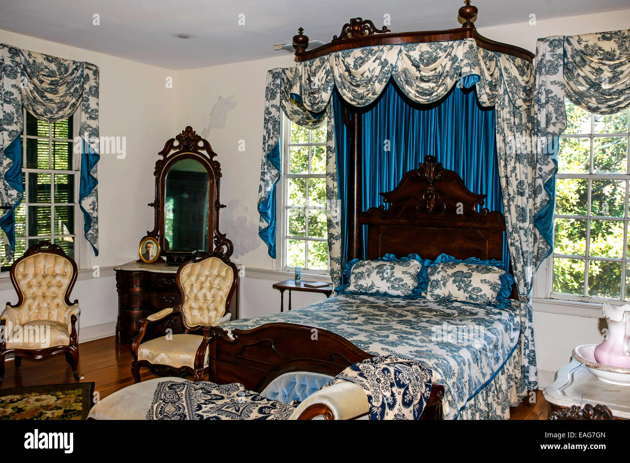 interior of the first white house of the confederacy and home to stock photo royalty free image. Black Bedroom Furniture Sets. Home Design Ideas