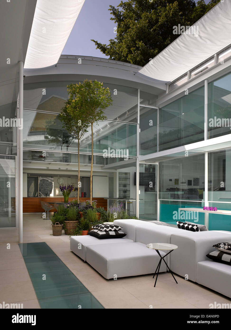 Lovely ... Living Room With Retractable Roof, Lavender House, Hampstead, London    Stock Photo