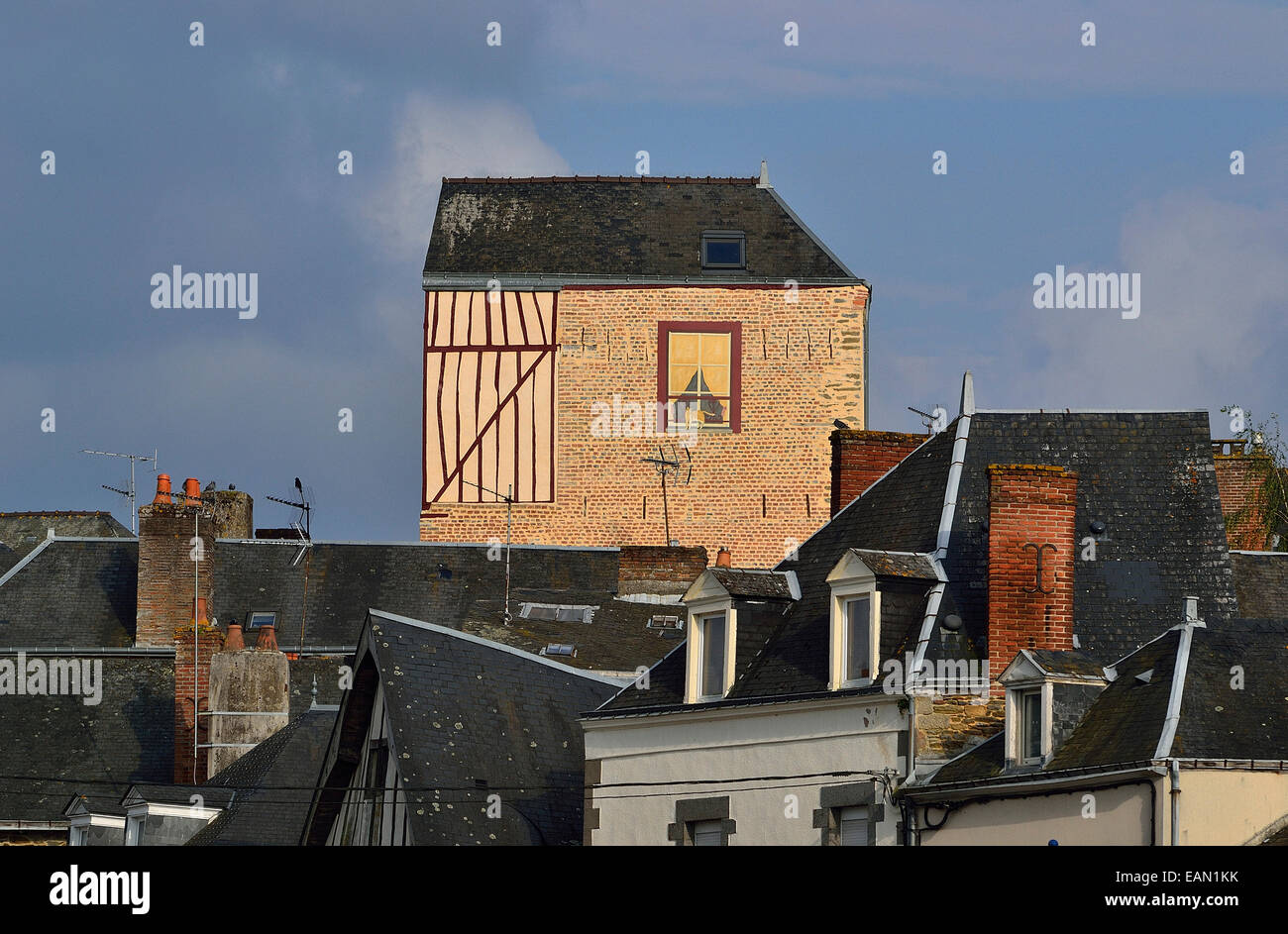 Mayenne City, Old Buildings, Mayenne City, A Trompe Lu0027oeil Wall Mural On A  House (Loire Country, France).