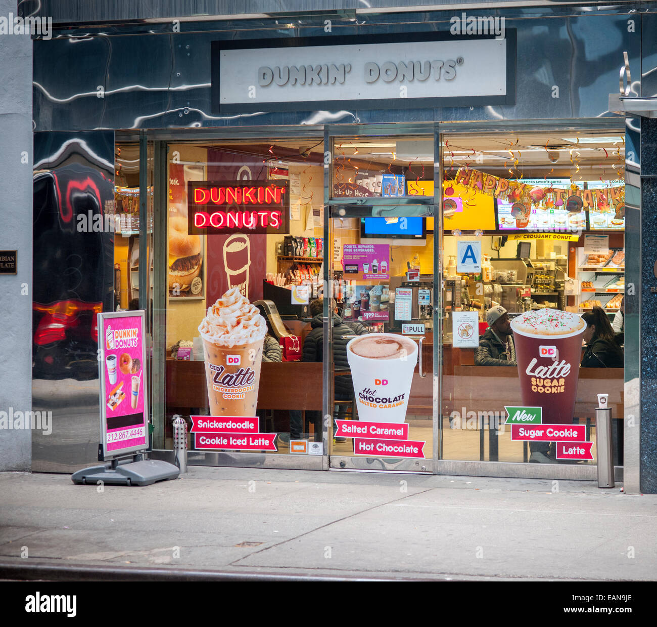 Donuts New York Stock Photos  Donuts New York Stock Images Alamy - Dunkin donuts location map usa