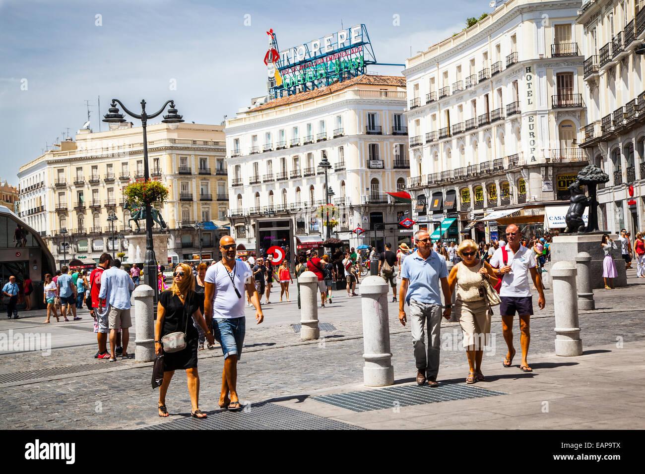 Madrid city centre puerta del sol stock photo royalty for Como llegar puerta del sol