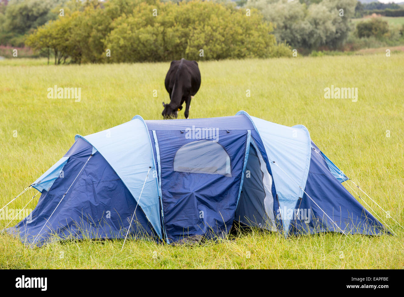A security guards tent guarding a fracking site at a farm site at Little Plumpton & A security guards tent guarding a fracking site at a farm site at ...