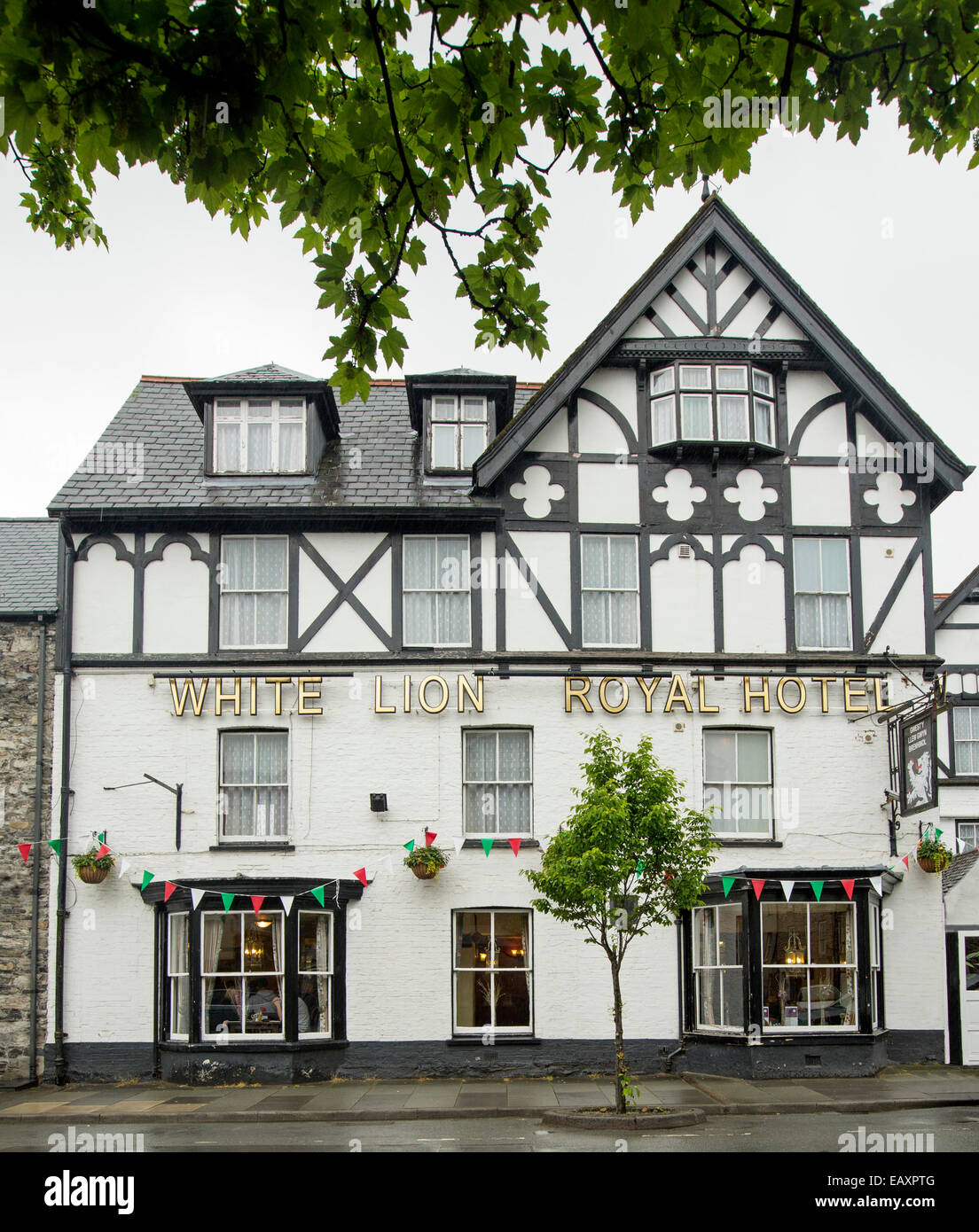 Tudor Facade 18th century white lion royal hotel with ornate black and white