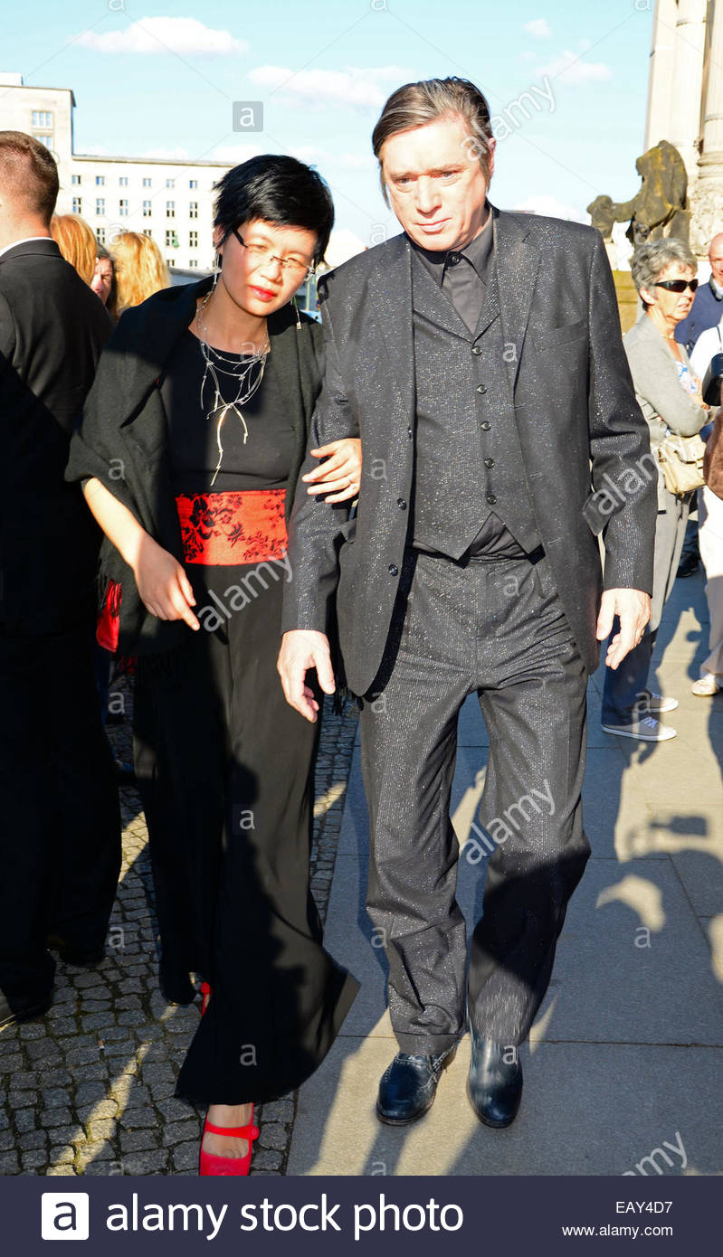 blixa bargeld and erin zhu relationship