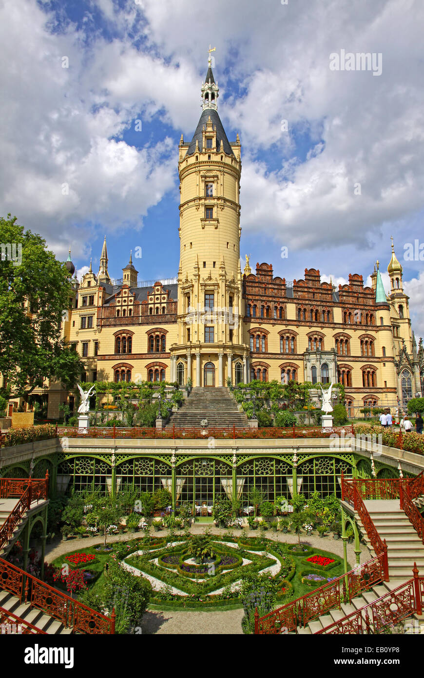 SCHWERIN CASTLE - SCHWERIN, MECKLENBURG - GERMANY - | Dream Homes ...