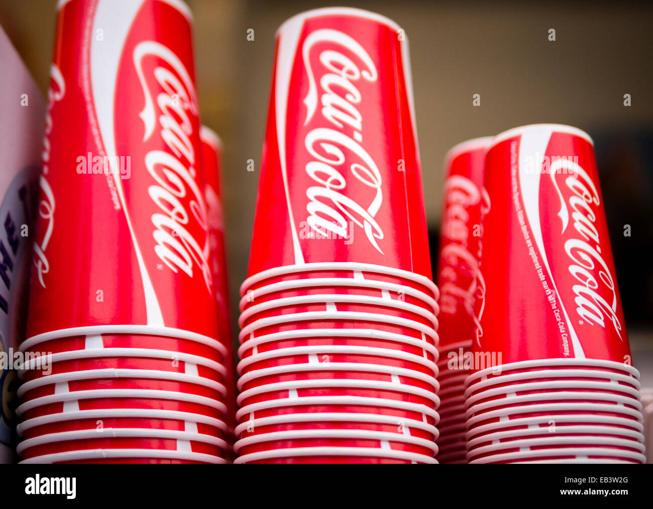 fizzy drinks essay Soda, pop, seltzer, tonic, sparkling water - these are all names for carbonated drink, more commonly known as soft drink it is the latest trend in beverages today.