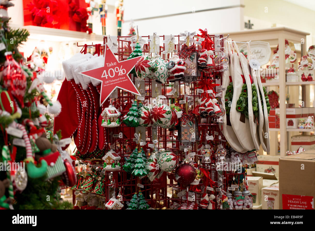 Superb Christmas Tree Decorations At Macy39S Department Store In The Easy Diy Christmas Decorations Tissureus