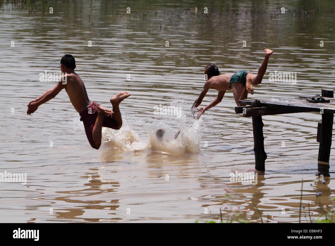 boy swimming river - photo #7