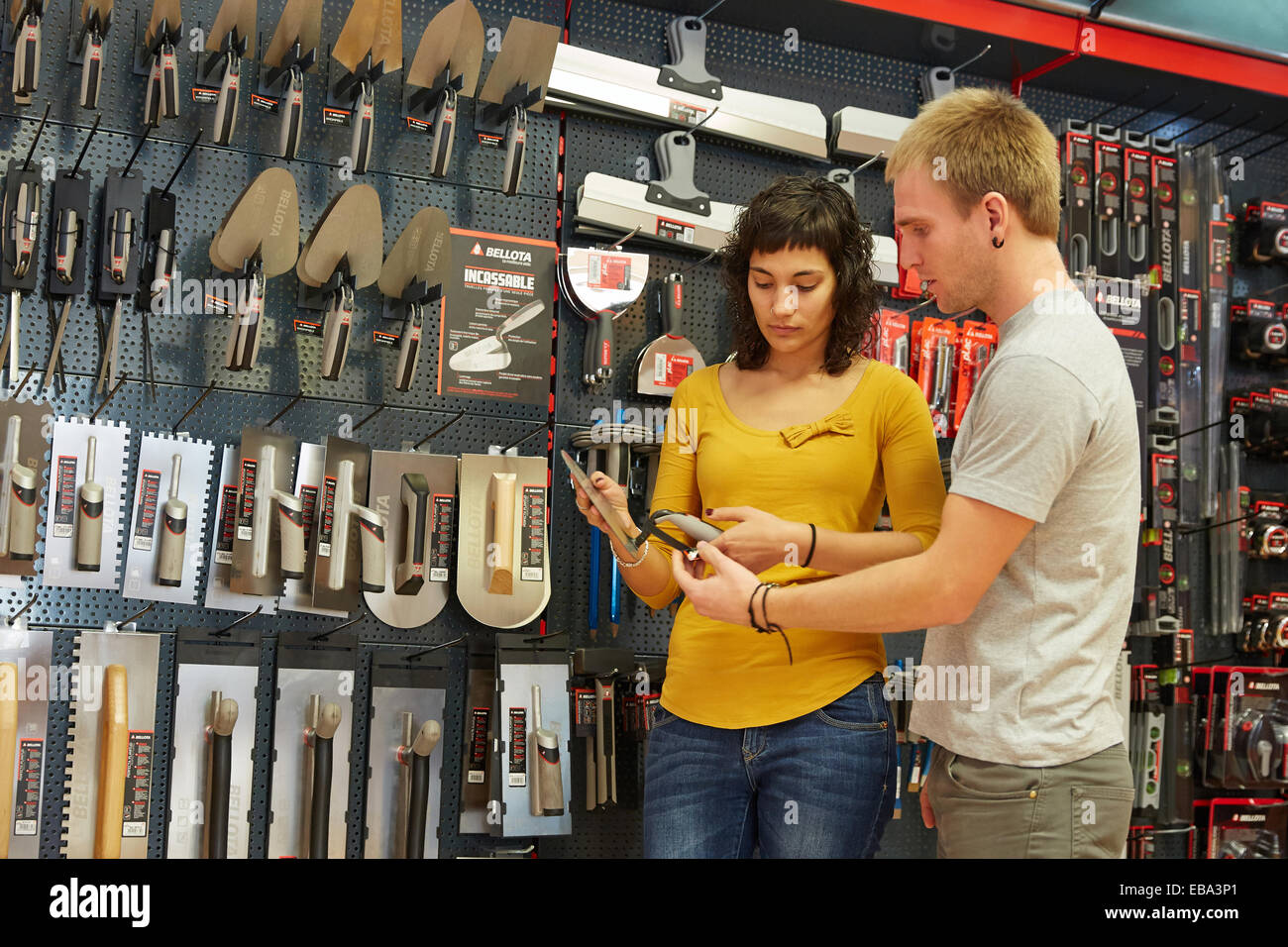 selling trowel hand tools for construction hardware store stock