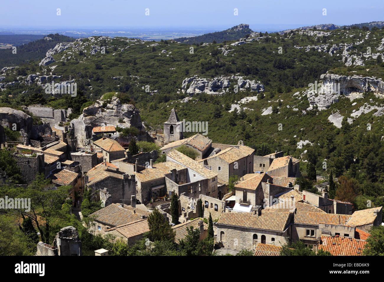 The medieval village of les baux de provence bouches du rh ne 13 stock photo 75893309 alamy - Office du tourisme baux de provence ...