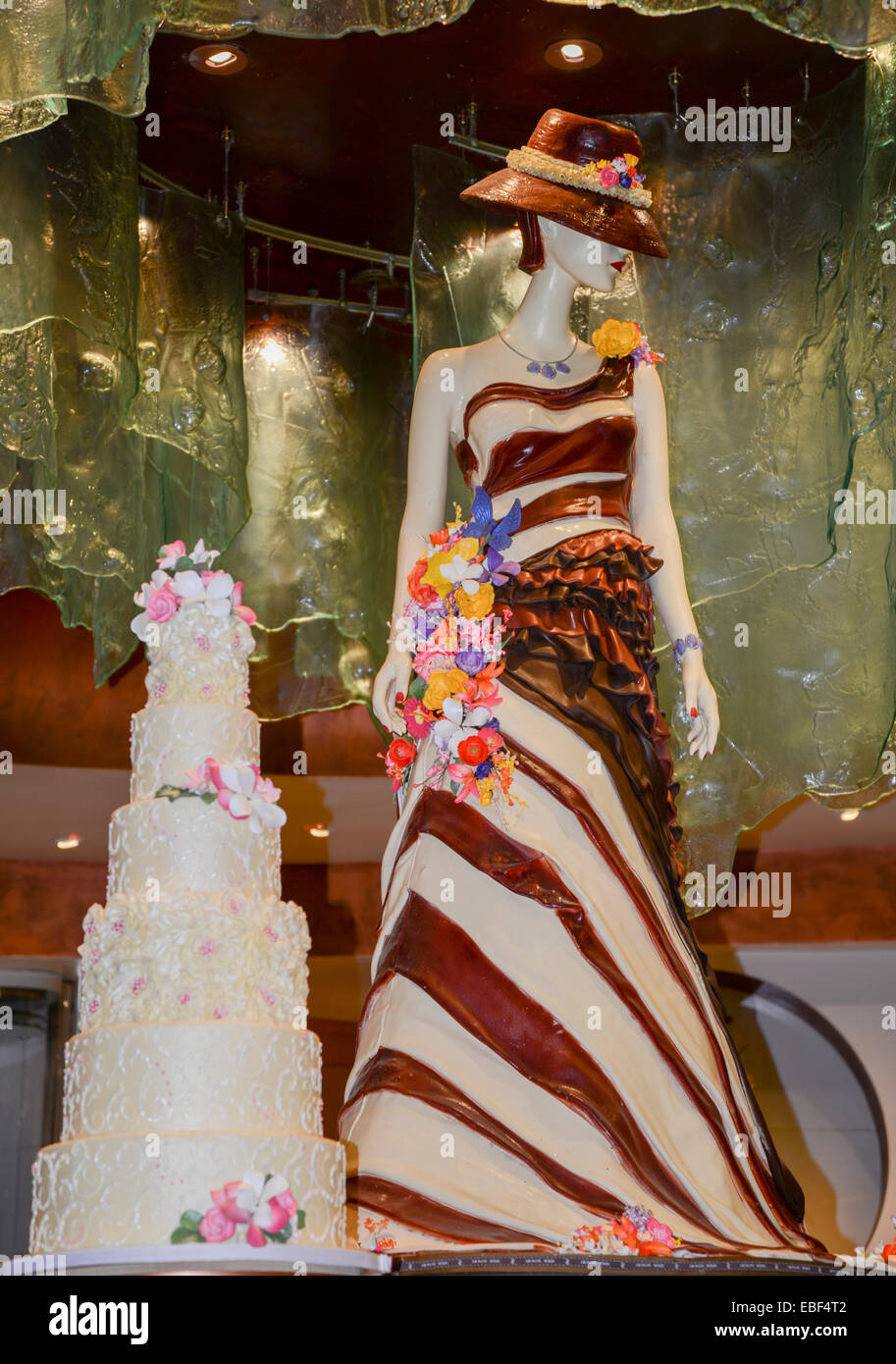 Chocolate model and a wedding cake made from 120lbs of chocolate ...