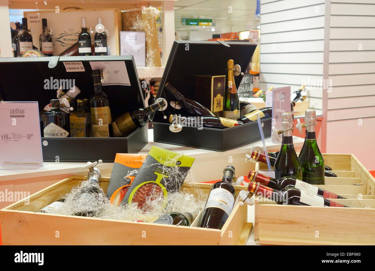 Gift basket baskets business gift christmas season displayed gift basket baskets business gift christmas season displayed spain negle Choice Image