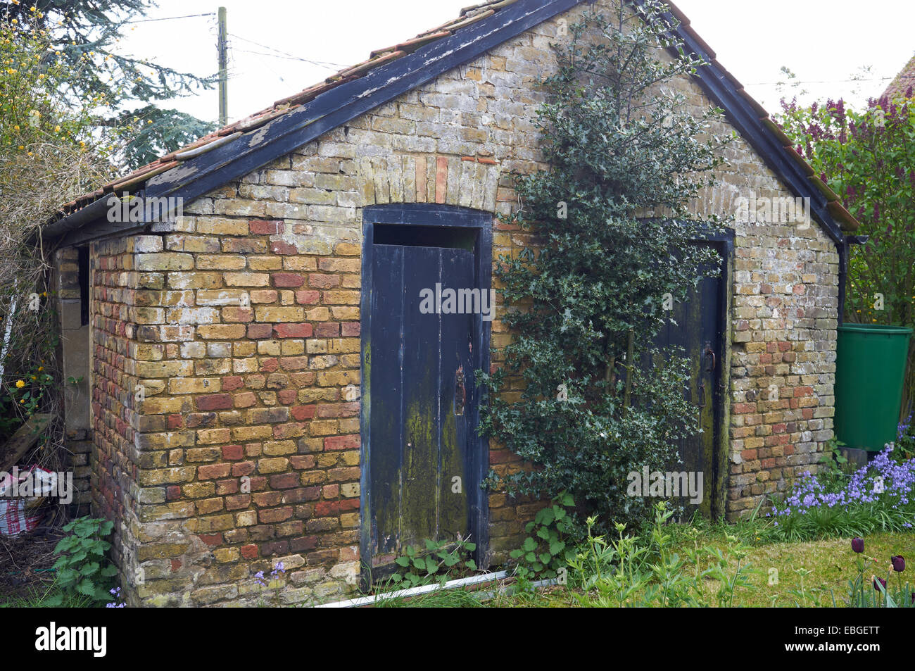 garden shed outside toilet stock image - Garden Sheds Nottingham