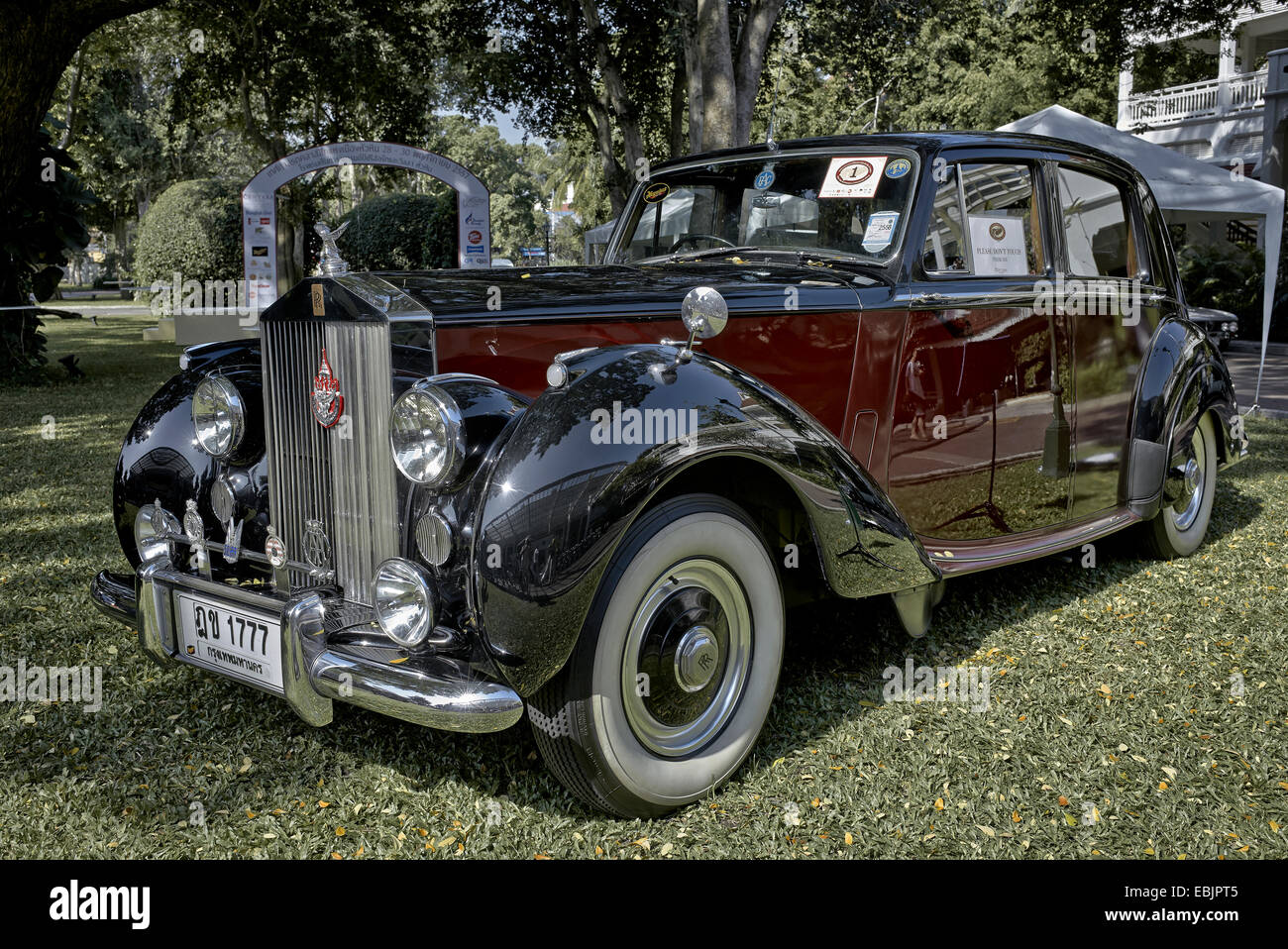 Rolls royce silver dawn limousine 1951 classic british executive motorcar first in class concours d elegance winner