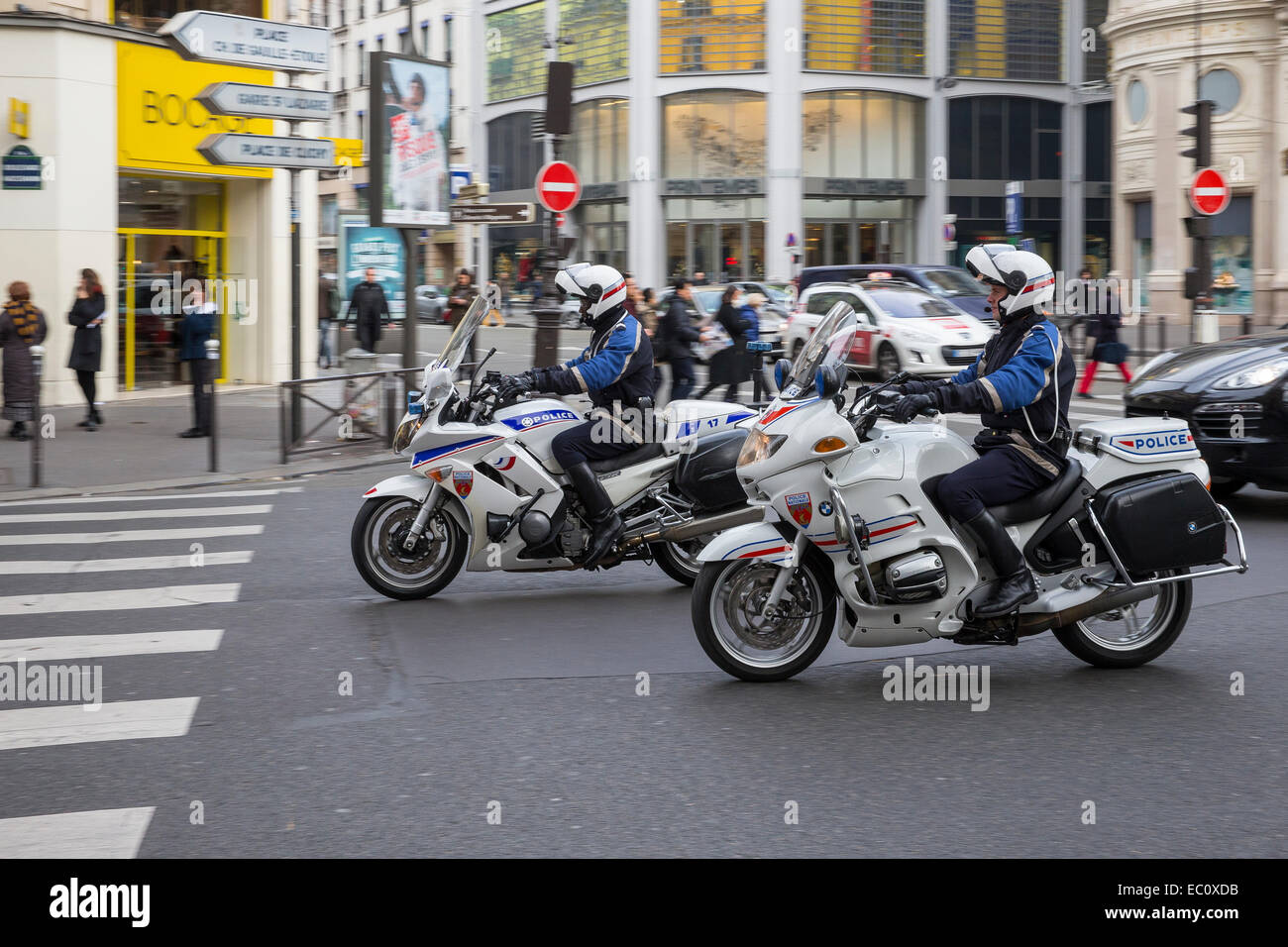 police nationale paris france motorcycle patrol stock photo royalty free image 76238103 alamy. Black Bedroom Furniture Sets. Home Design Ideas