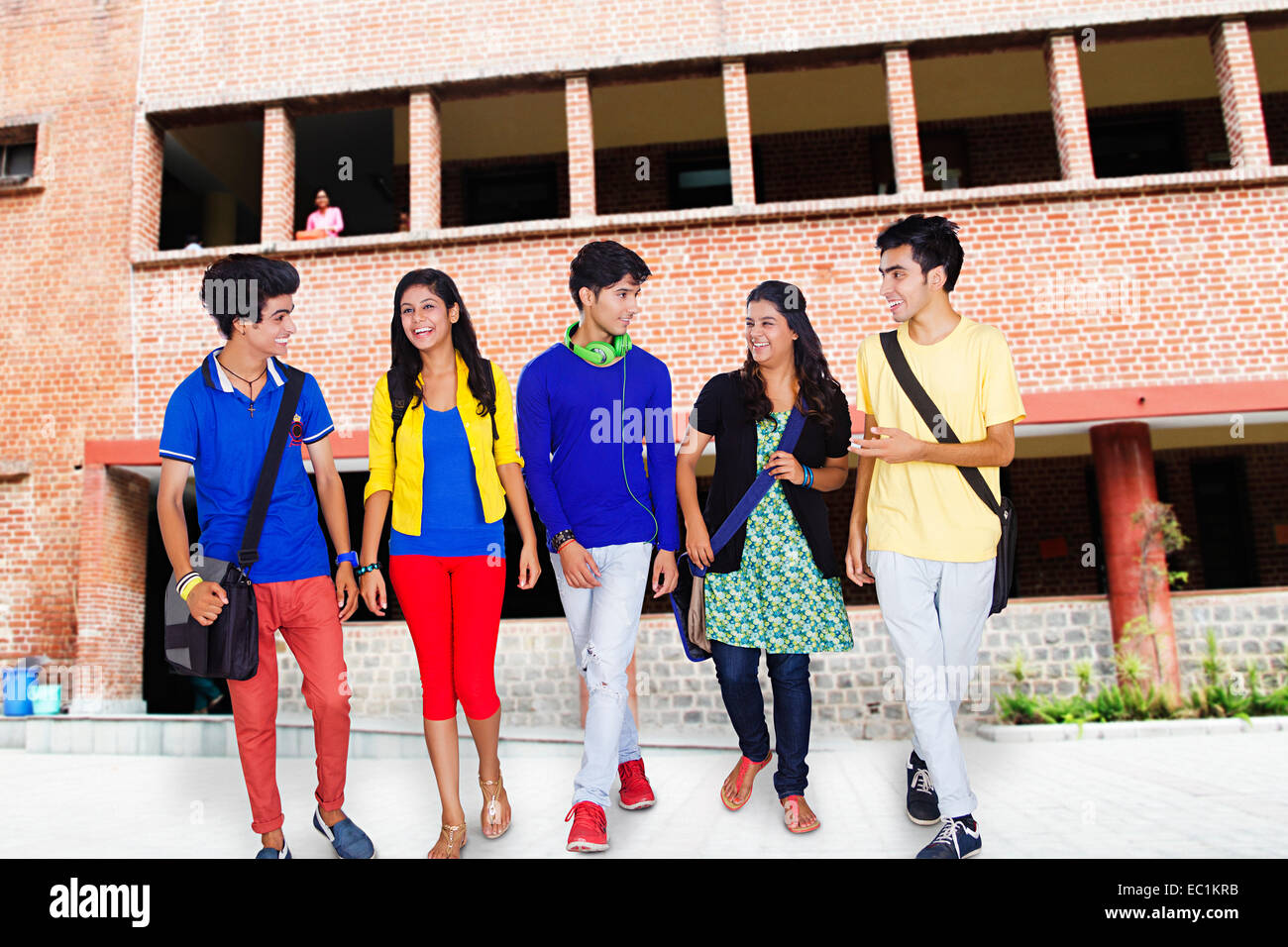Sarkari Niyukti http://www.nusrlranchi.in/2017/08/01/recruitment-for-faculty-post/ Sarkari Niyukti - Government Jobs in India - सरकारी नियुक्ति | Image Courtesy - http://c8.alamy.com/comp/EC1KRB/indian-college-friends-students-EC1KRB.jpg