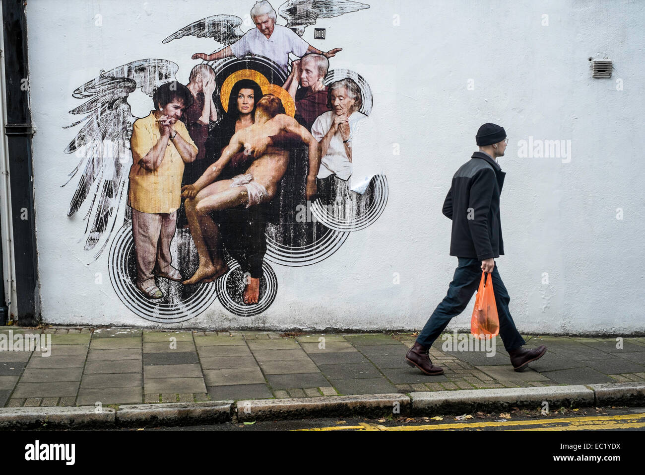 Graffiti wall art uk - London Uk Islington Graffiti Art Urban Wall Town
