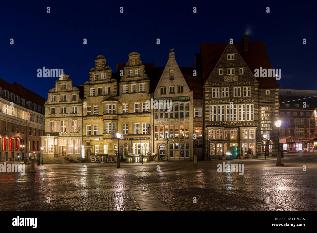 germany bremen view to row historic houses at marketplace by night stock photo royalty free. Black Bedroom Furniture Sets. Home Design Ideas