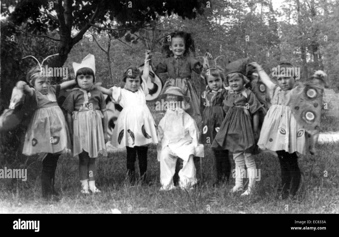 irina sendler hidden jewish children at a polish convent 1943 - Hidden Pictures For Children