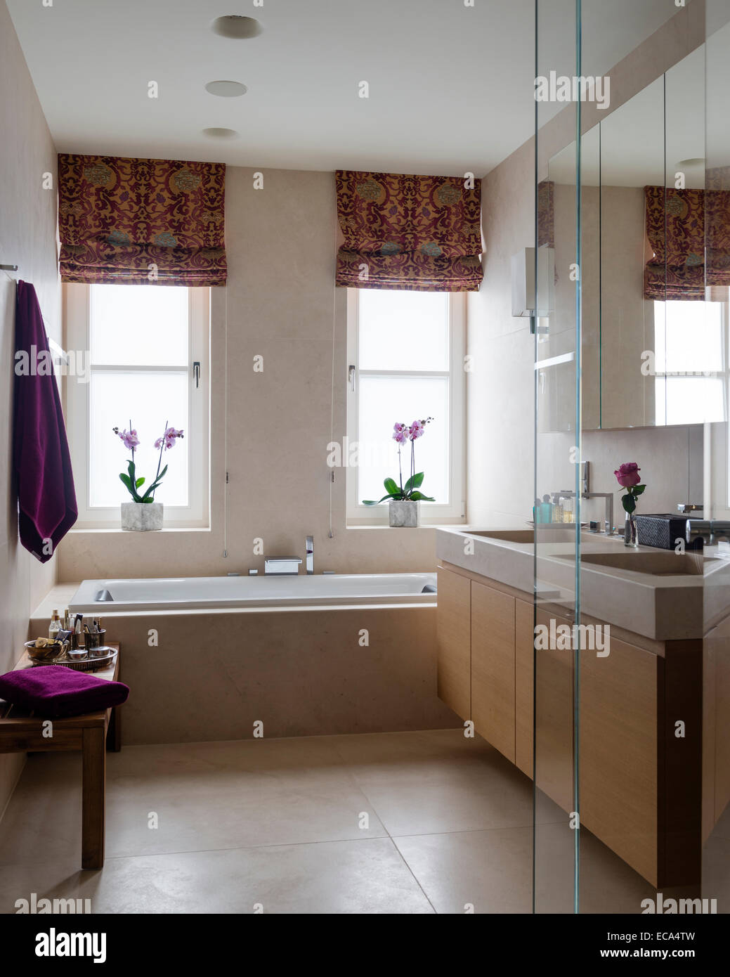 Contemporary bathroom with double vanity unit and baroque for Baroque style bathroom