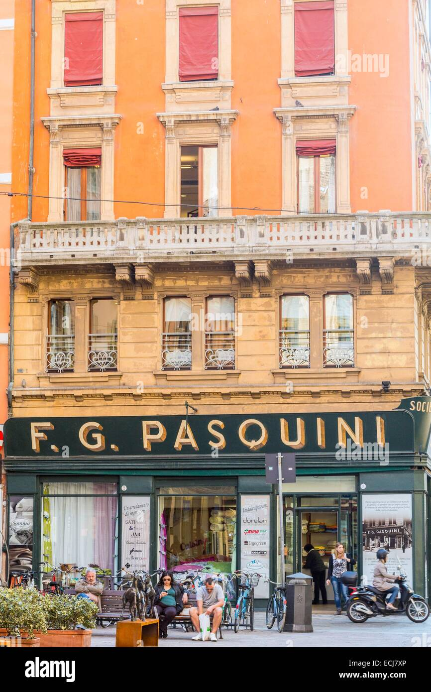 Italy, Emilia Romagna, Bologna, Via IV Novembre, Store Curtains And  Upholstery FG Pasquini