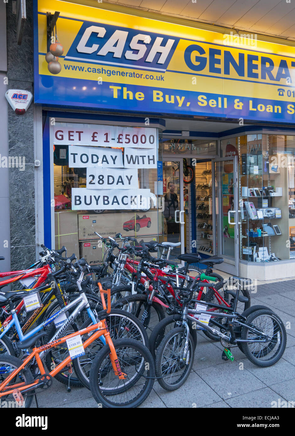 Cash Generator Pawn Shop With Xmas Bikes For Sale And 28 Day