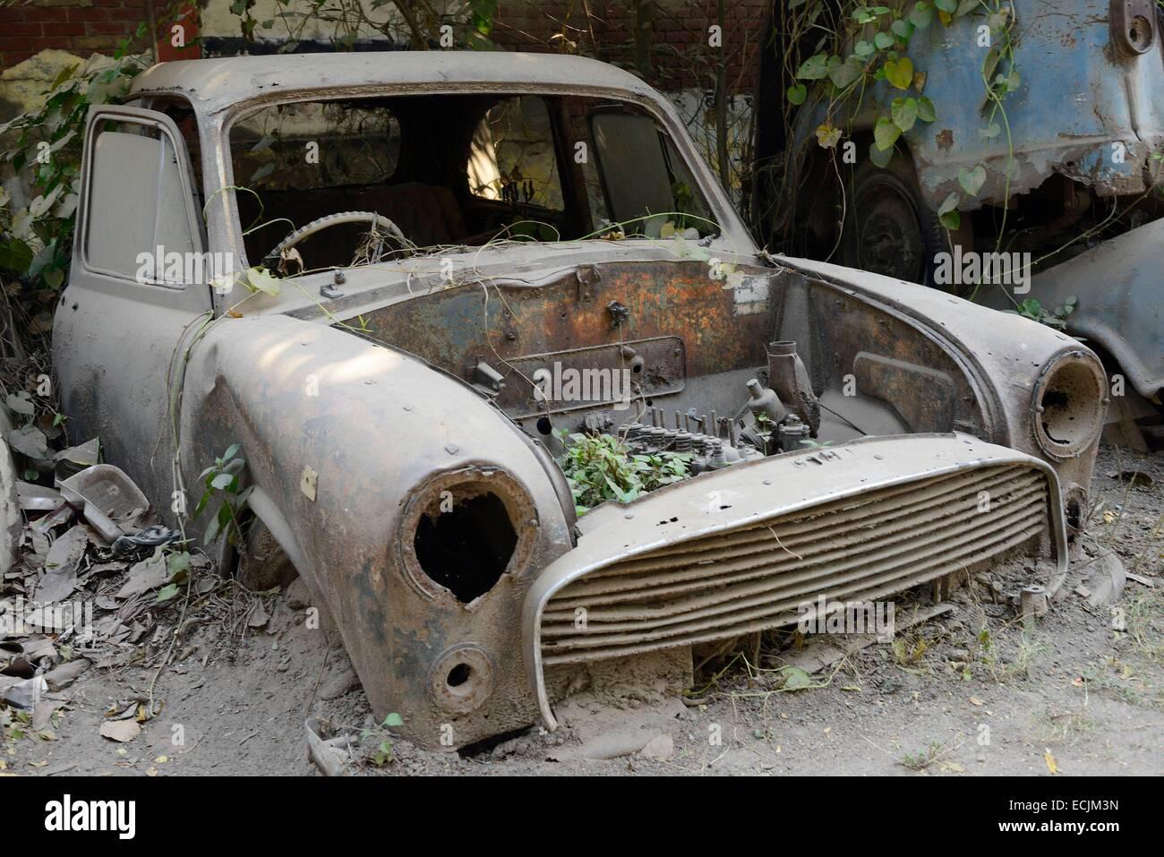 India Uttar Pradesh Lucknow Breaker S Yard Wrecked Ambassador