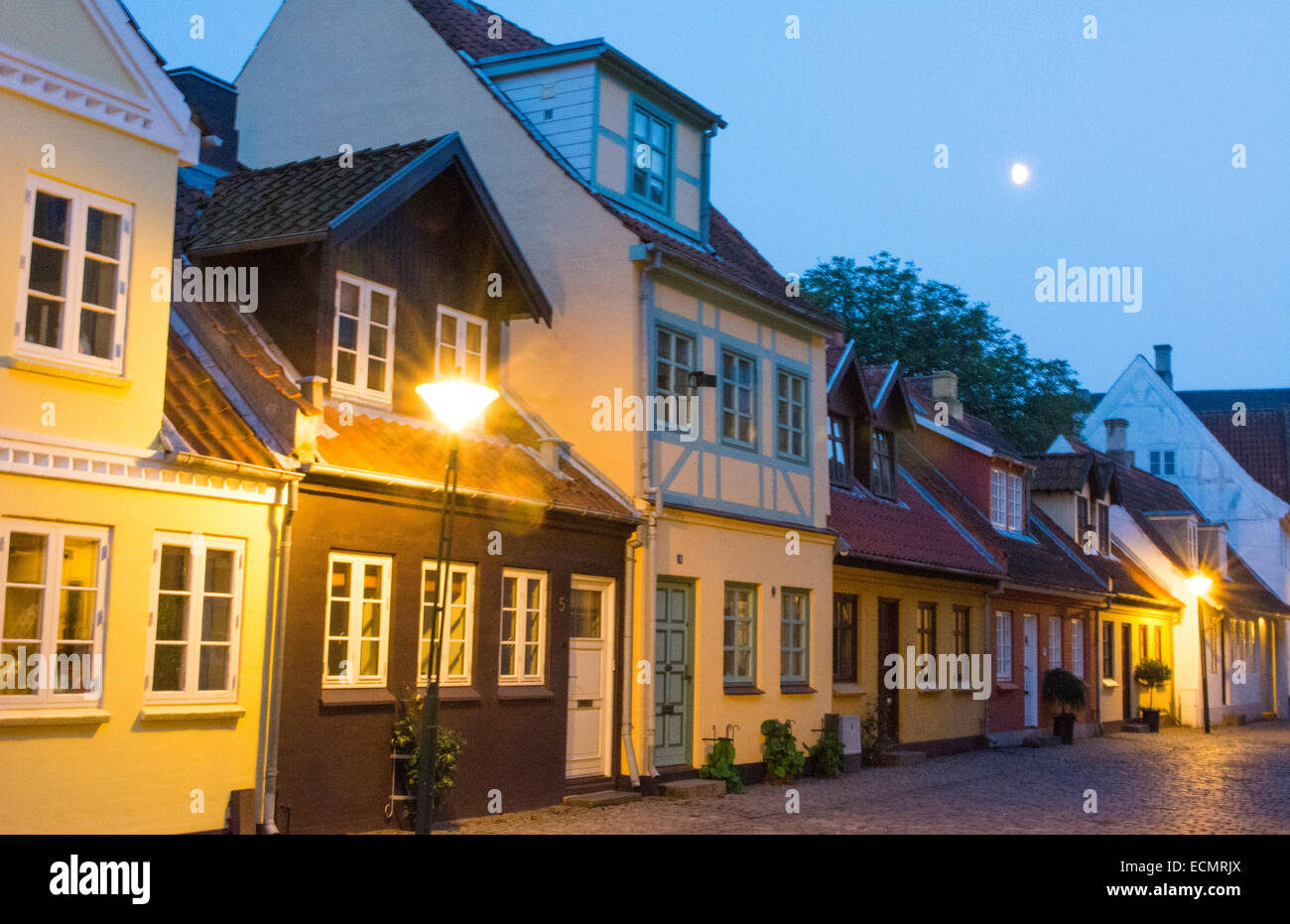 Odense denmark beautiful old row homes cobblestone streets for Beautiful classic houses