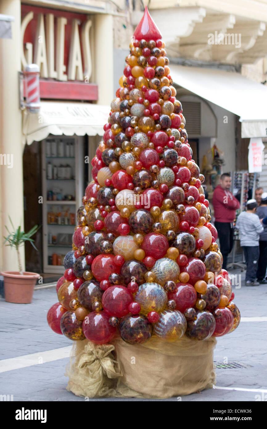 Maltese christmas ornaments - Christmas Tree Made Of Mdina Glass On The Streets Of Valletta Malta Stock Image
