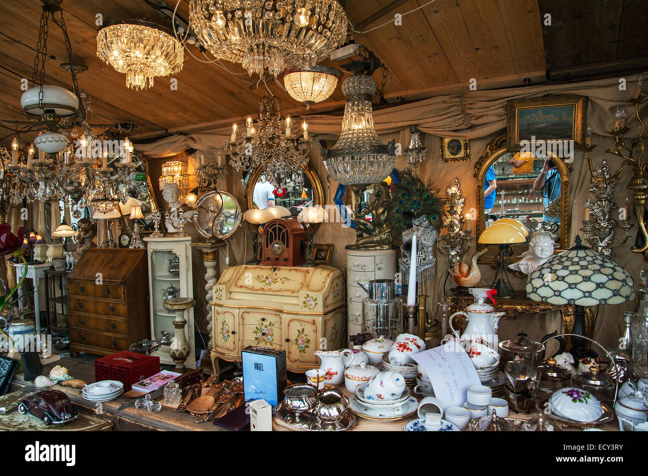Porcelain chandeliers and knick knacks auer dult fair munich porcelain chandeliers and knick knacks auer dult fair munich upper bavaria bavaria germany arubaitofo Images