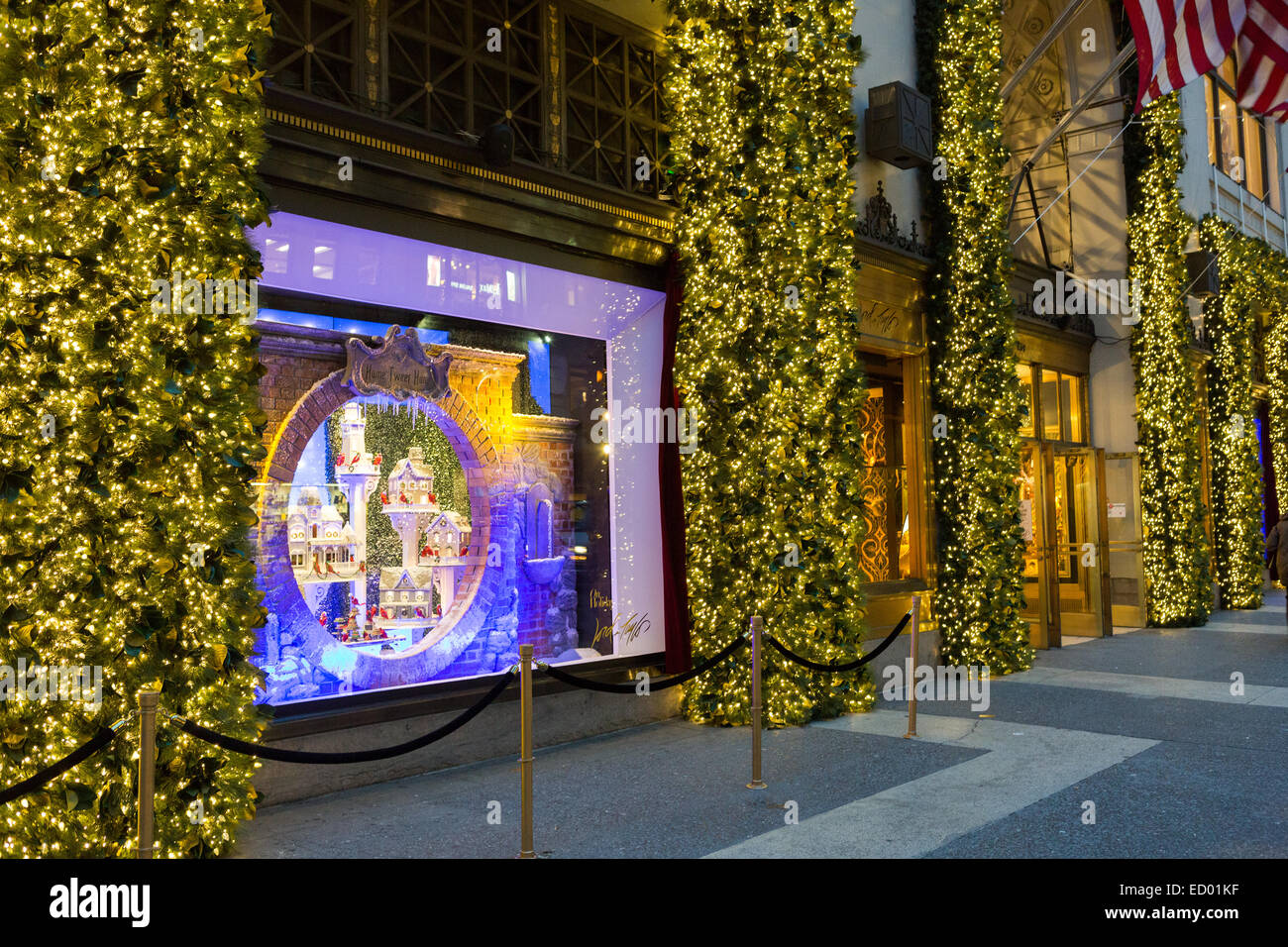 Lord And Taylor Christmas Decorations