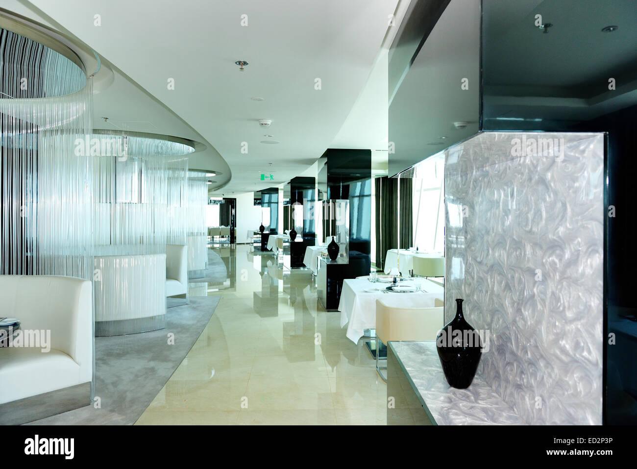 The restaurant 39 s interior of modern luxury hotel dubai for Modern hotel dubai